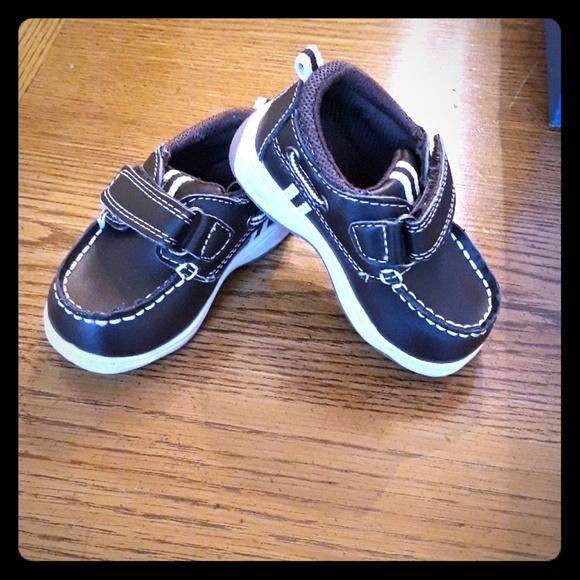 OshKosh B'gosh Shoes | Baby Boy Size 4